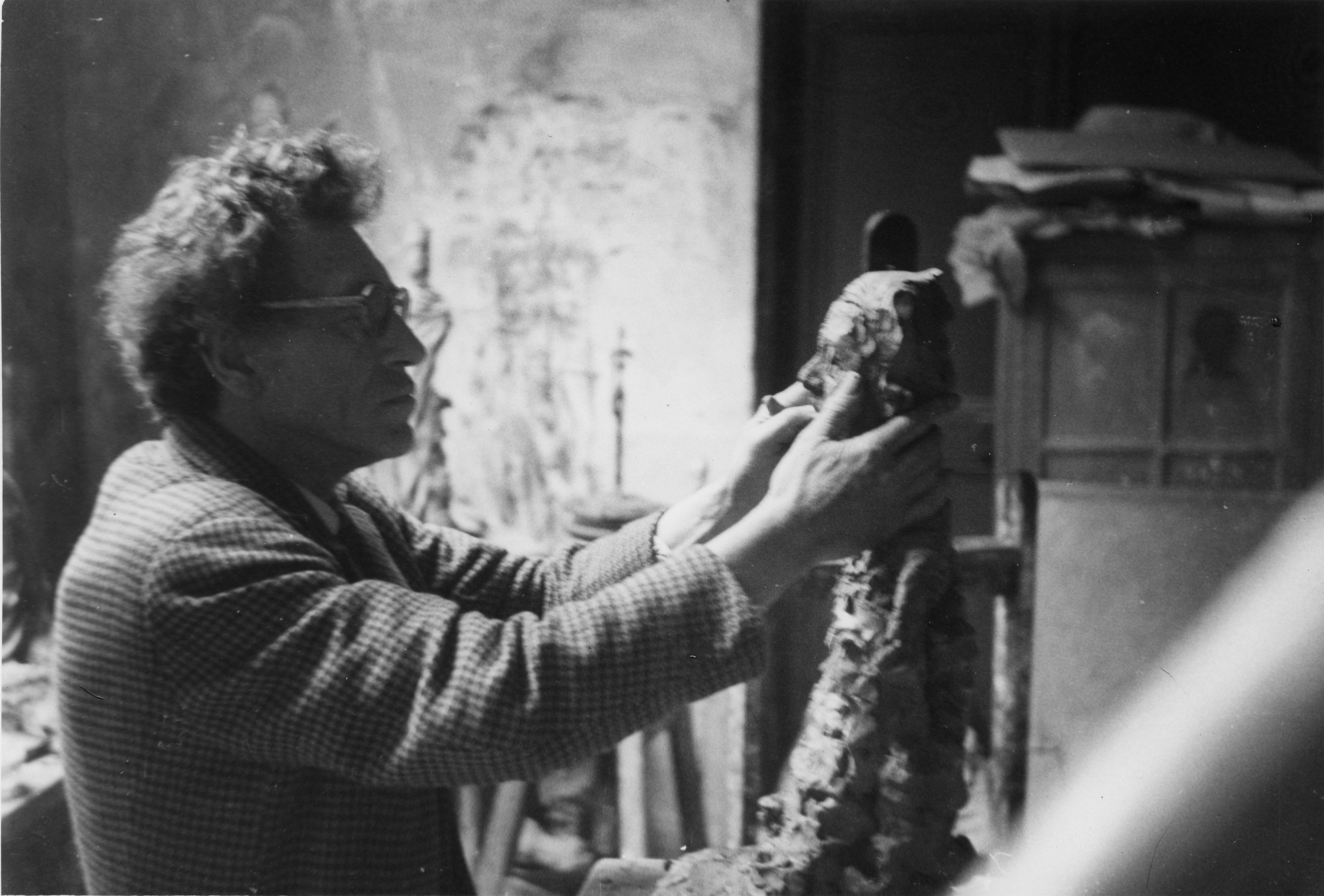 Tête sculptée de la mère d'Alberto Giacometti