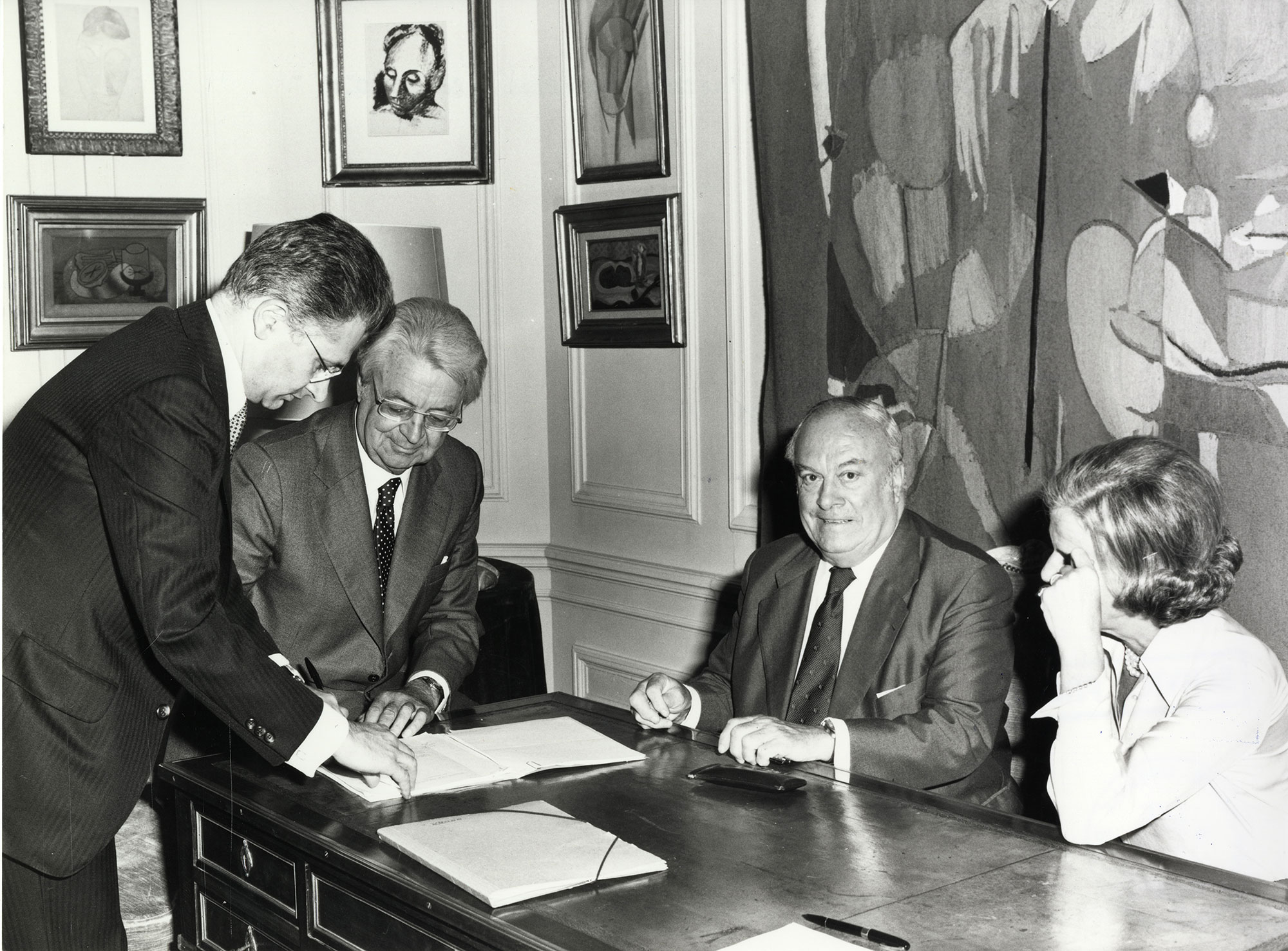 Signature de l'acte de donation le 16 octobre 1979 (archives de la MEL)